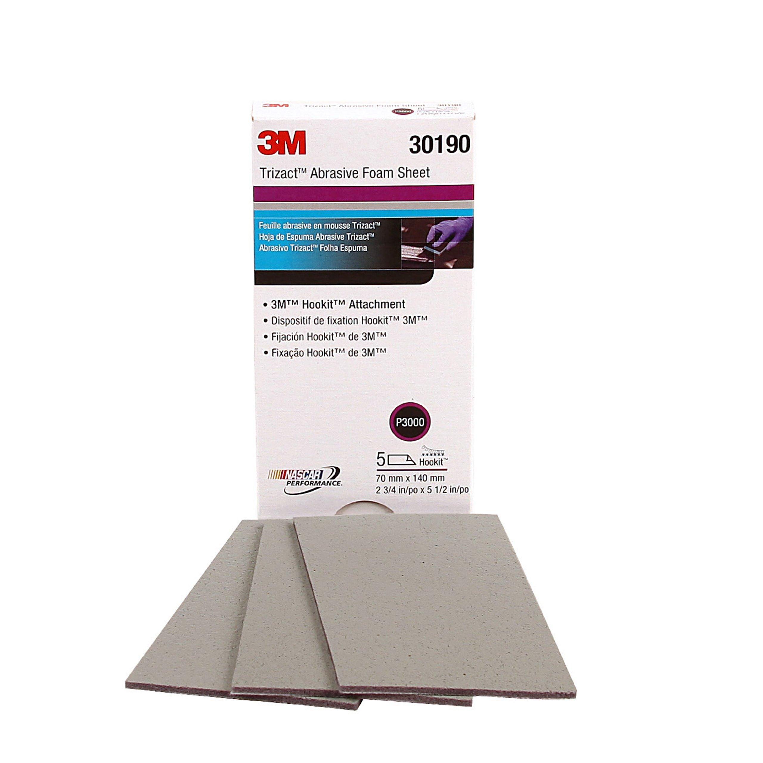 3M 30190 Trizact Hookit 2-3/4'' x 5-1/2'' P3000 Grit Foam Sheet