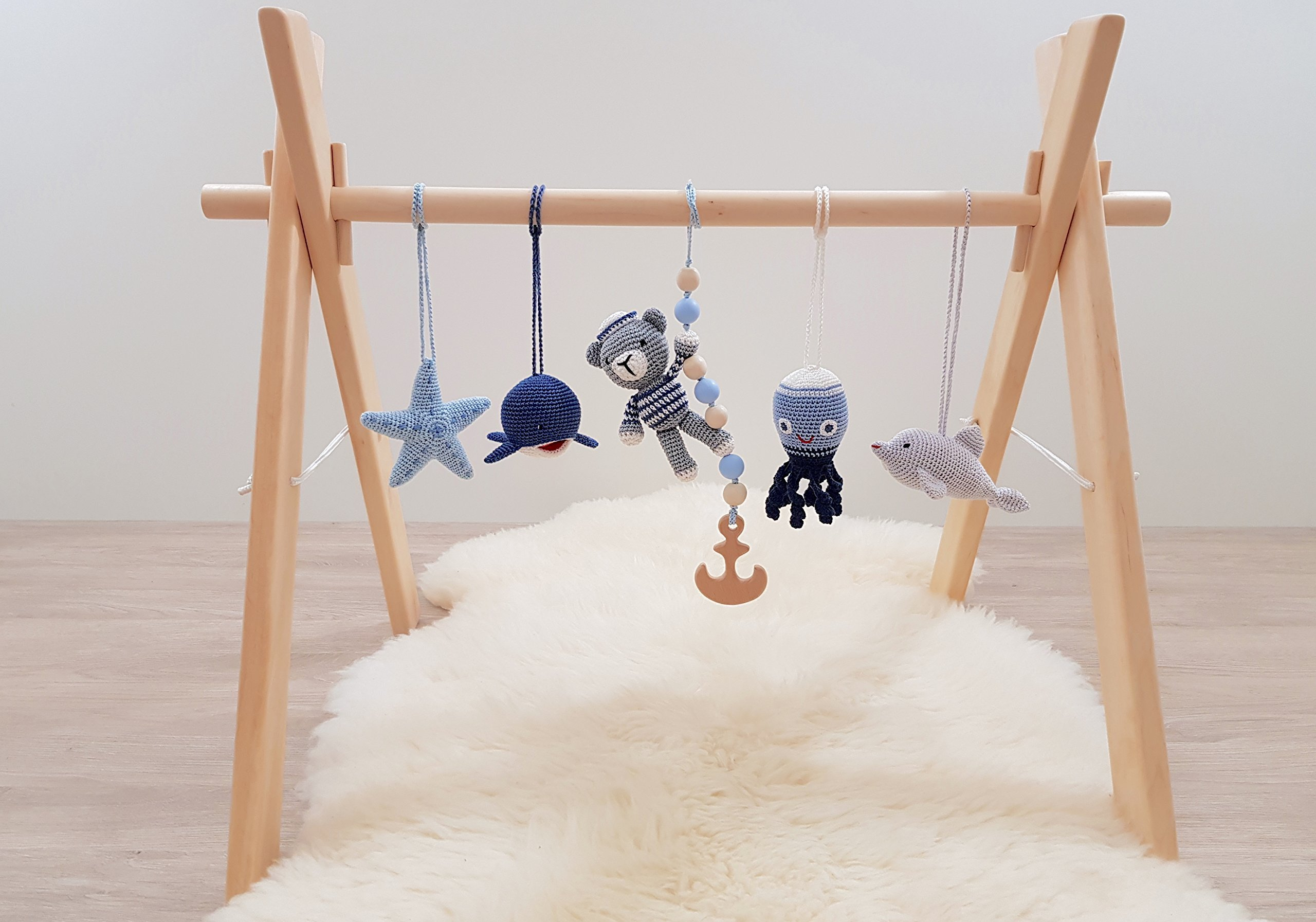 Nautical baby play gym with 5 toys. Baby gym wood, crochet baby gym toys. Bear the sailor, dolphin, whale, octopus, starfish. Sea, marine. Handmade in eastern Europe.
