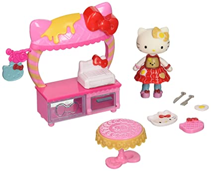 Amazon.com: Hello Kitty Cafe y desayuno Mini Doll playset ...