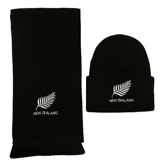Cappello e sciarpa ricamati con logo in lingua inglese della squadra di  rugby della Nuova Zelanda  Amazon.it  Sport e tempo libero a66d0a96c614