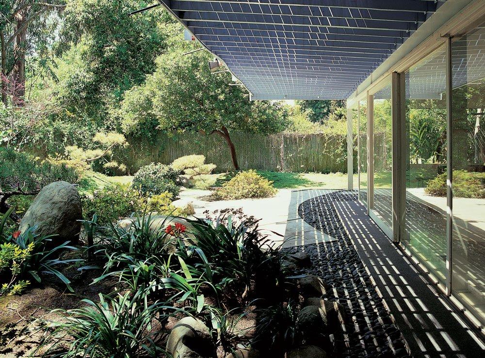 Private Landscapes: Modernist Gardens In Southern California: Pamela  Burton, Marie Botnick, Kathryn Smith: 9781616891619: Amazon.com: Books