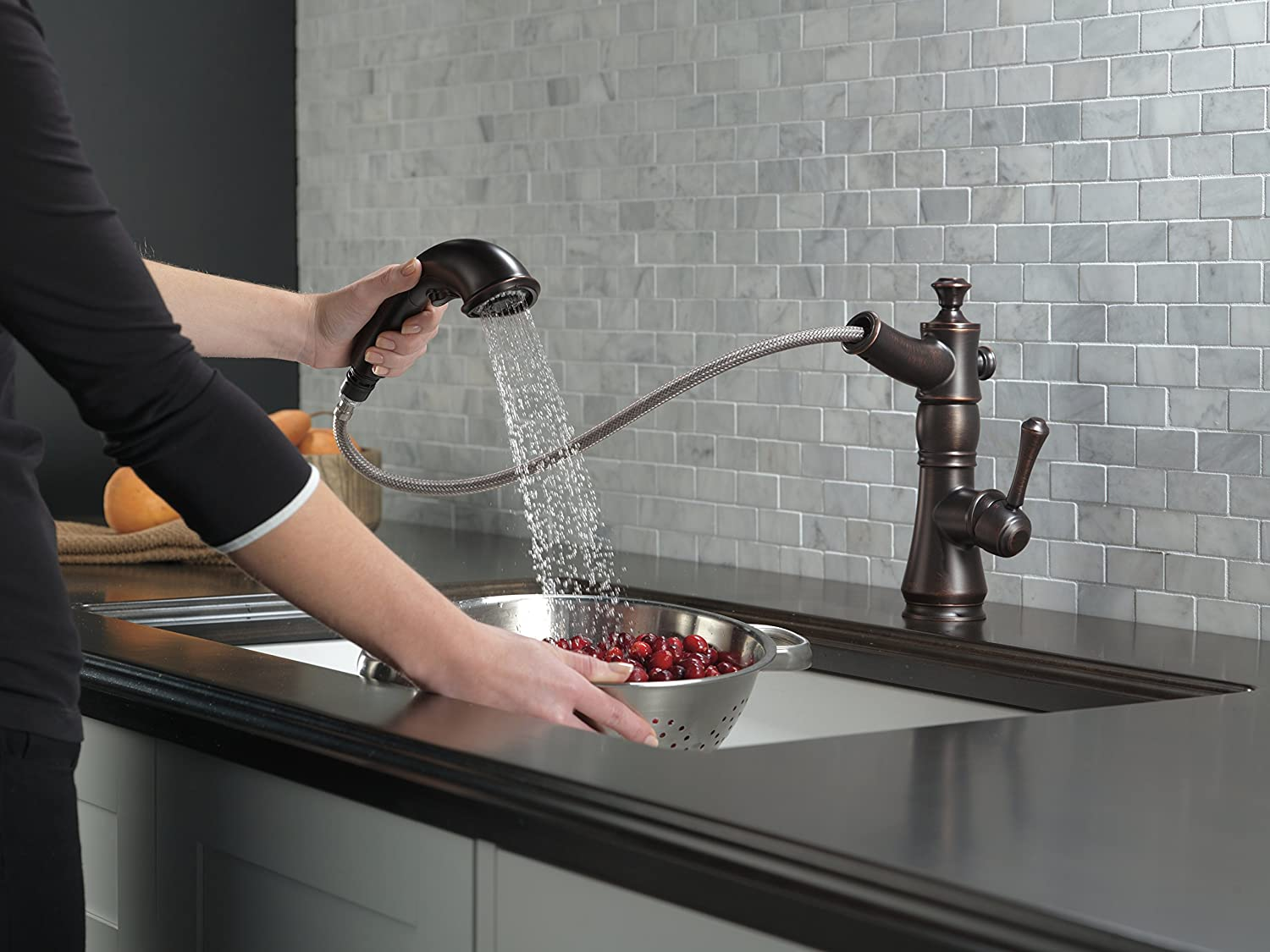 Delta 4197-RB-DST Cassidy Single-Handle Pull-Out Kitchen Faucet with ...