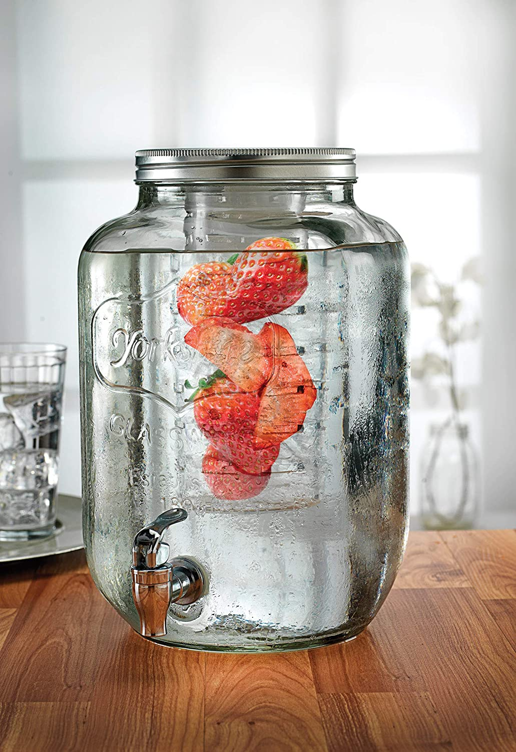 Circleware Sun Tea Mason Jar Glass Beverage Dispenser with Fruit Infuser, Ice Insert and Lid Glassware for Drinking Water, Juice, Beer, Wine, Liquor, Kombucha, 2 Gallon, Clear