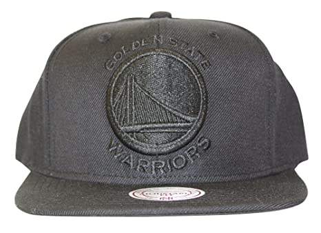 db694e140fff1 Amazon.com   Mitchell   Ness Golden State Warriors Snapback Hat Cap ...