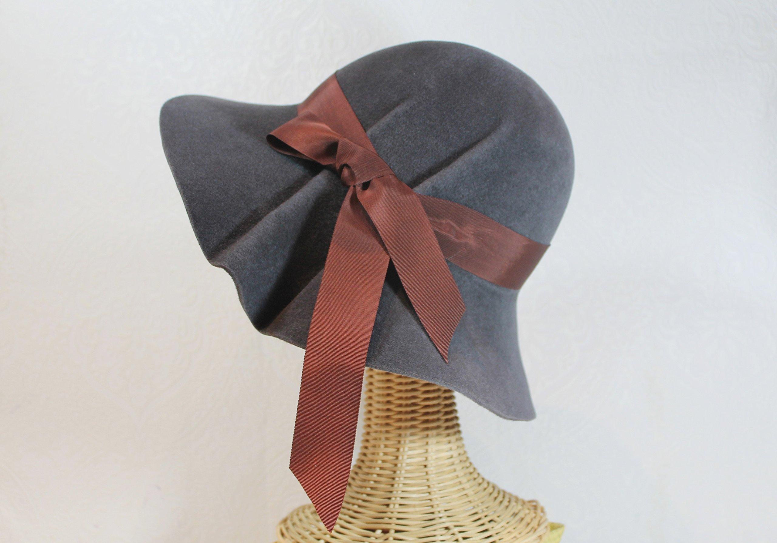 Women's Wide Brim Pleated Hedy Hat in Charcoal Velour Felt