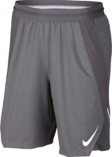 7035c6368374 NIKE Men s Ultimate Performance Basketball Shorts at Amazon Men s Clothing  store