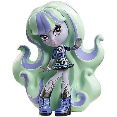 Monster High Vinyl Twyla Figure: Toys & Games