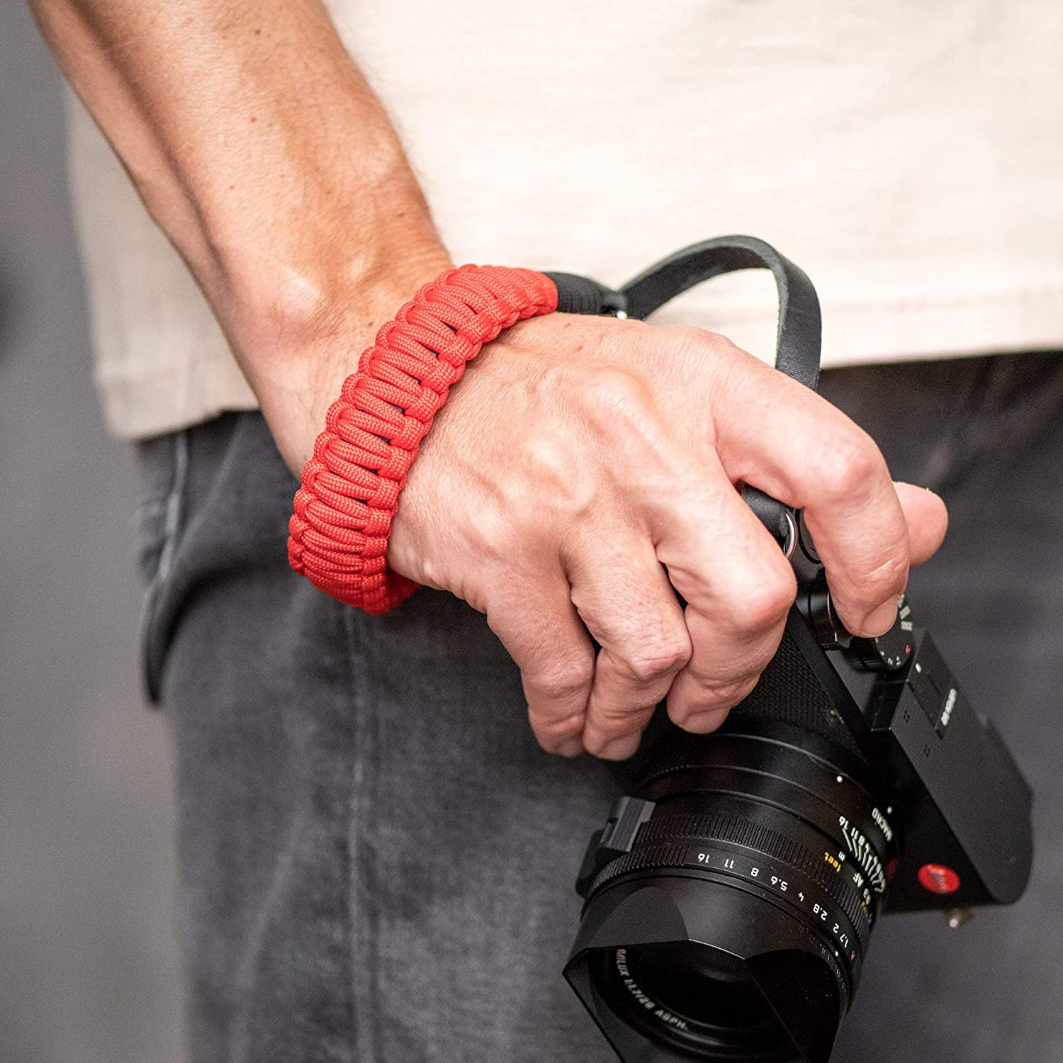 Black//red Leica Paracord Handstrap COOPH