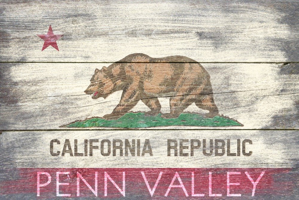 Penn Valley、カリフォルニア – 素朴なCalifornia State Flag 12 x 18 Art Print LANT-56572-12x18 B017Z7AQOK 12 x 18 Art Print12 x 18 Art Print