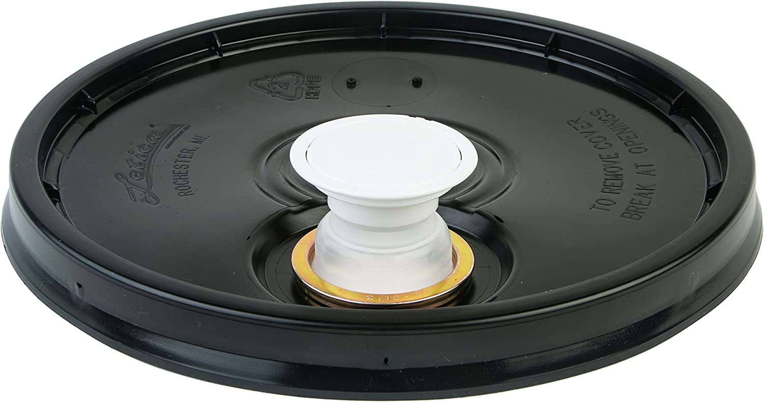 Hudson Exchange Lid with Spout and Gasket for 3.5, 5, 6, and 7 gal Buckets, HDPE, Black