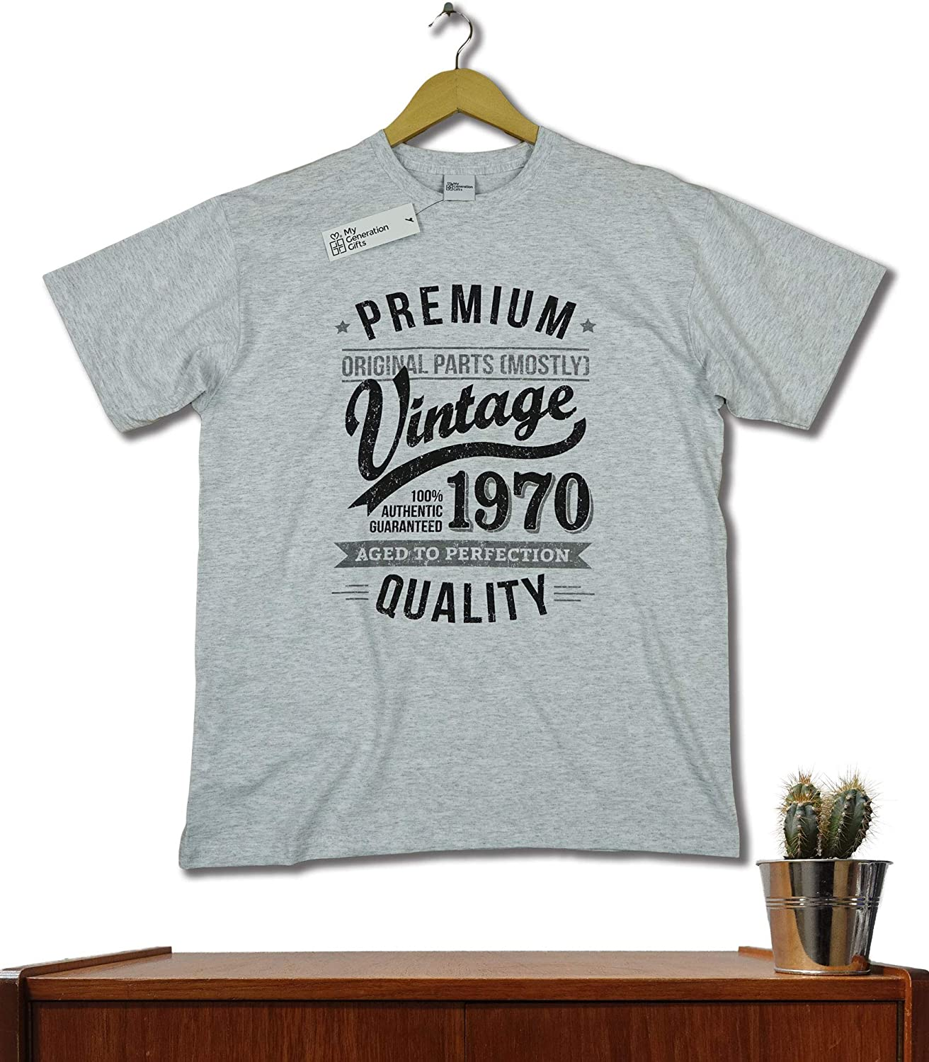 1970 Vintage Year Aged to Perfection 50th Birthday Gift//Present Mens T-Shirt