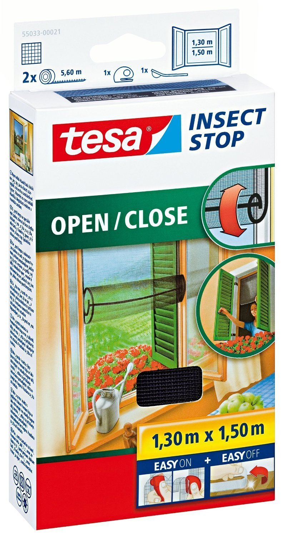 tesa Insect Stop COMFORT Open / Close Fliegengitter Fenster zum Ö ffnen & Schließ en - Insektenschutz Rollo selbstklebend - Anthrazit, 130 cm x 150 cm 55033-00021-00