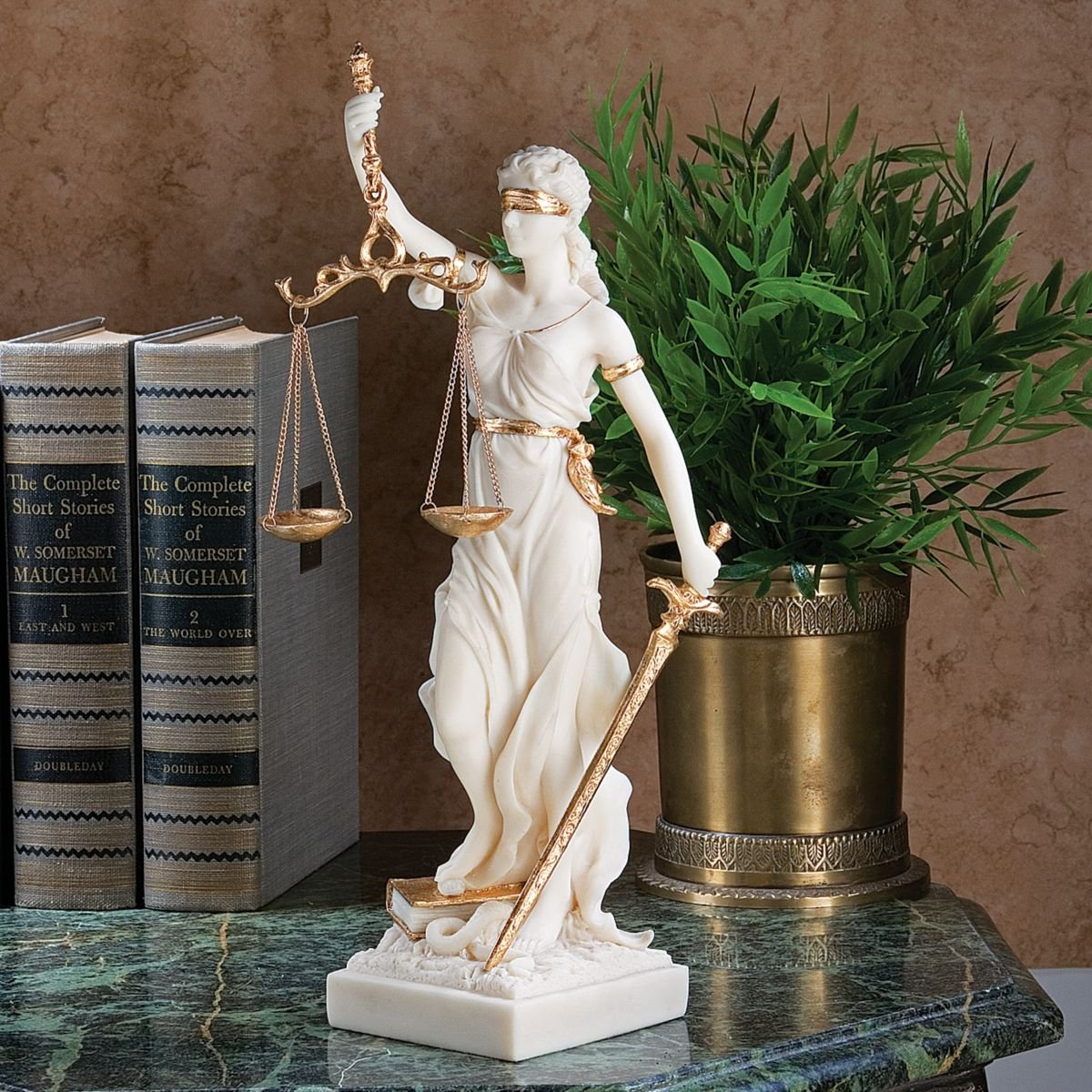 Amazon.com: Design Toscano Themis Blind Lady Of Justice Statue Lawyer Gift,  13 Inch, Bonded Marble Polyresin, White: Home U0026 Kitchen