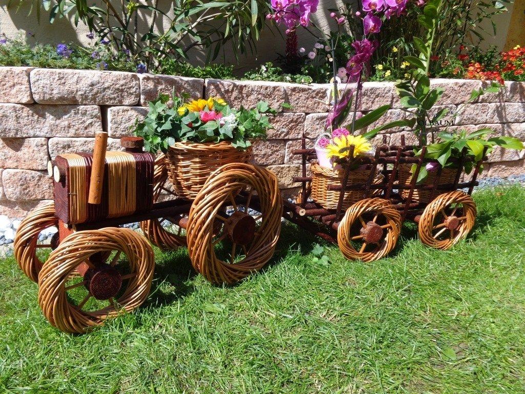 2 St. Traktor+ Hänger Anhänger hell 80 + 80 cm XXL, aus Korbgeflecht, Korbruten wetterfest**, pfiffige GARTENDEKO, ideal als Pflanzkasten, Blumenkasten, Pflanzhilfe, Pflanzcontainer, Pflanztröge, Pflanzschale, Rattan, Weidenkorb, Pflanzkorb, Blumentöpfe, Holzschubkarre, Pflanztrog, Pflanzgefäß, Pflanzschale, Blumentopf, Pflanzkasten, Übertopf, Übertöpfe, , Holzhaus Pflanzgefäß, Pflanztöpfe Pflanzkübel