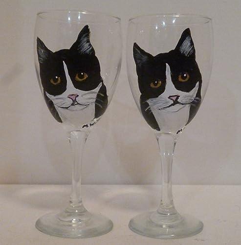 Amazoncom Hand Painted Black White Tuxedo Cat Wine Glasses Set