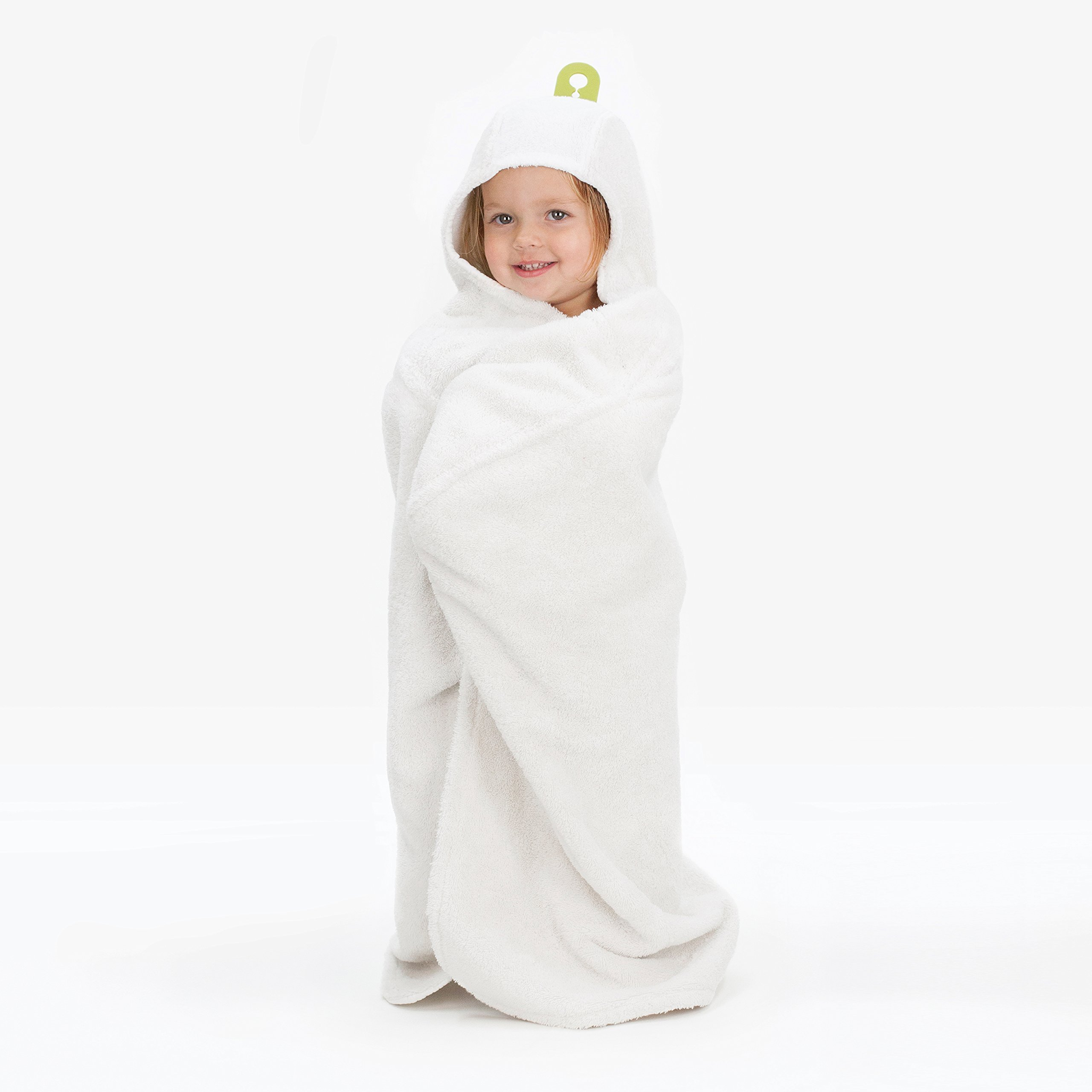 Amazon Com Puj Hug Hands Free Hooded Infant Towel White