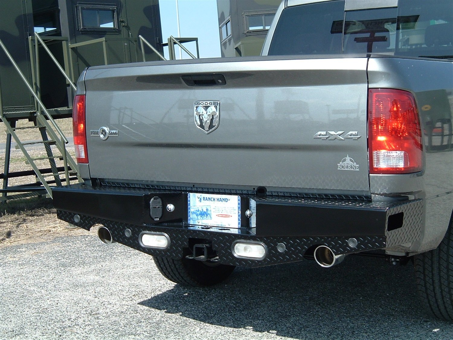 Amazon com ranch hand sbd09hblsle rear dual exhaust bumper with sensors for dodge ram sport series automotive