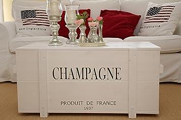 Uncle Joe S Truhe Champagne Couchtisch Truhentisch Im Vintage Shabby