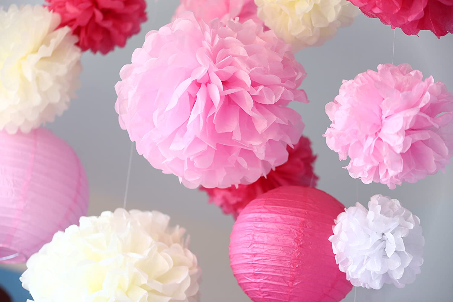 18 Piece Tissue Paper Pom Poms and Paper Lanterns Party and Wedding Decoration. London Homeware Group