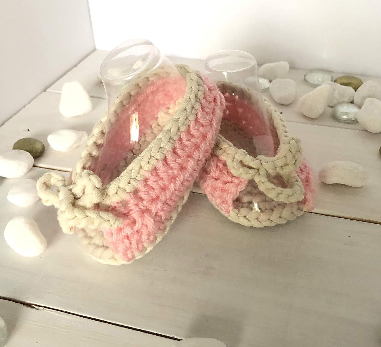 Crocheted baby girl sandals, Crochet