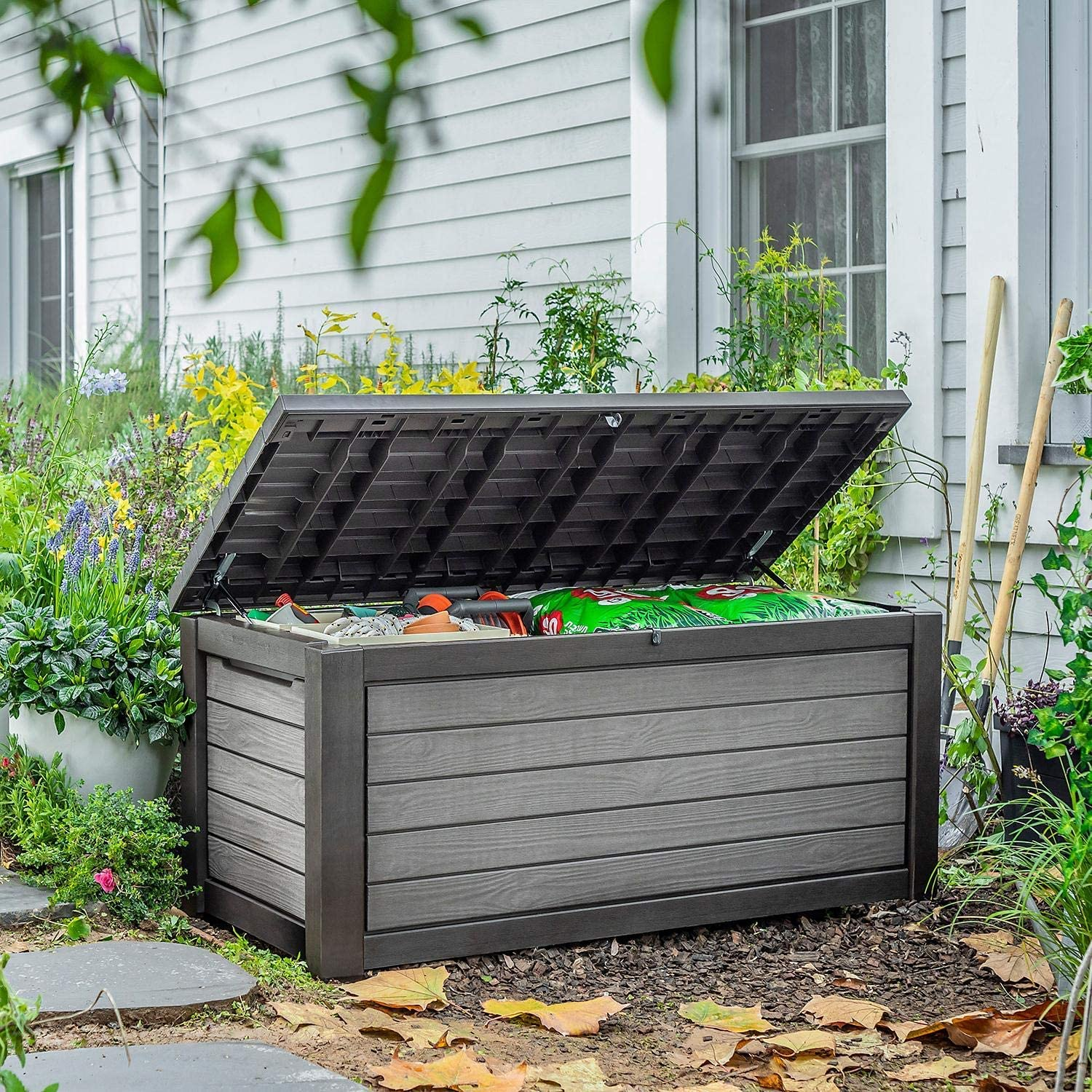Pool Or Outdoor Storage Keter 165-Gallon  Weather Resistant Outdoor Deck Box