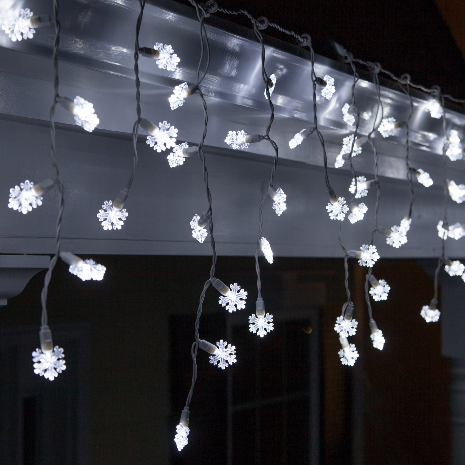 70 LED Cool White Snowflake Icicle Lights
