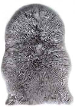 Image of Alfombra de imitación de piel de cordero, sintética, decorativa, de pelo largo, para poner delante de la cama o el sofá, poliéster, gris, 60 x 90 cm