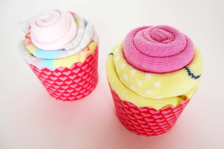 Set de Productos WELEDA con dos Cupcake (hechos con 4 Calcetines de Algodón) y con una Esponja Natural SUAVINEX   Baby Shower Gift Idea   Tonos Rosas   Para ...