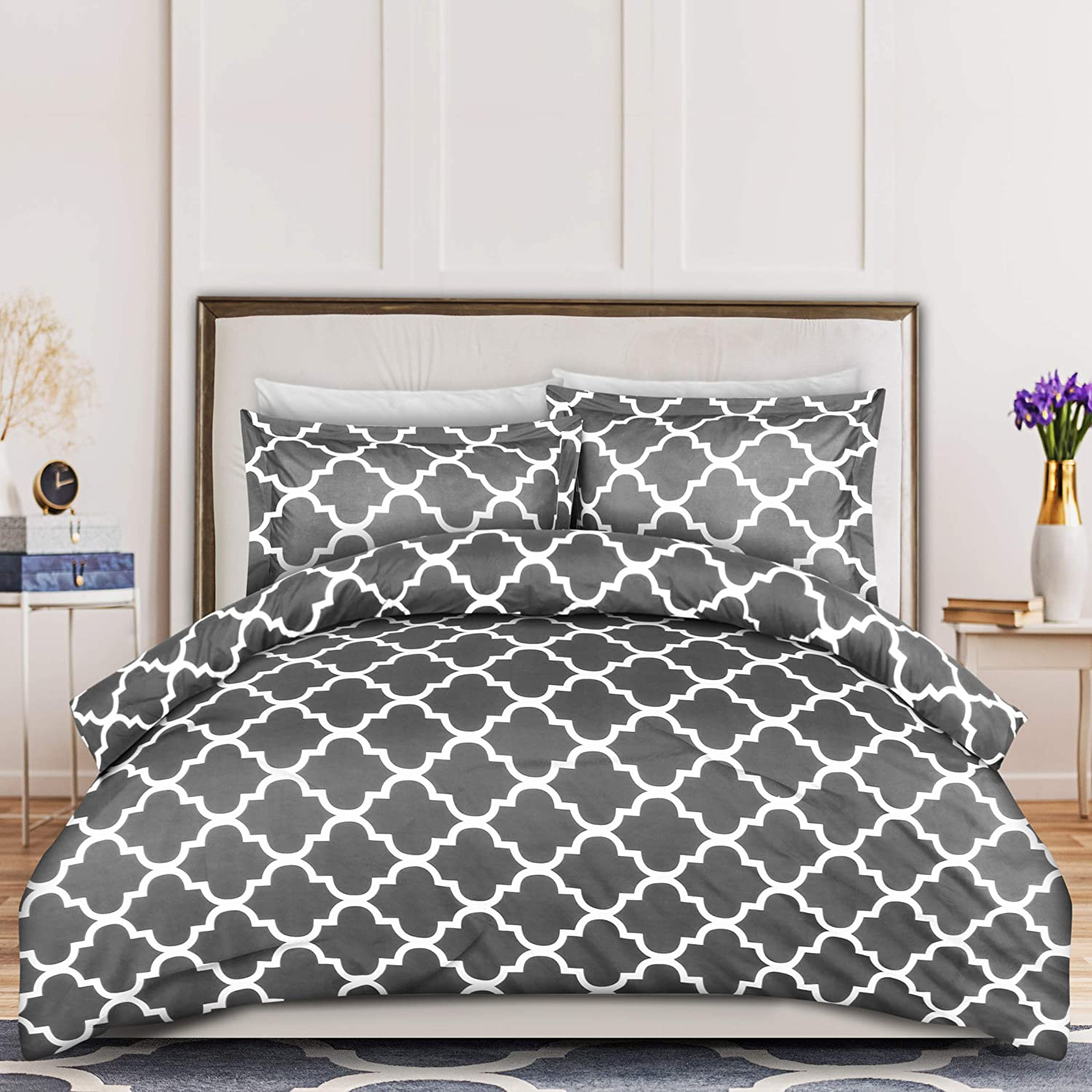 Utopia Bedding 3-Piece Duvet Cover Set – 1 Duvet Cover with 2 Pillow Shams - Comforter Cover with Zipper Closure - Soft Brushed Microfiber Fabric - Shrinkage and Fade Resistant - Easy Care (Queen, Quatrefoil Grey)