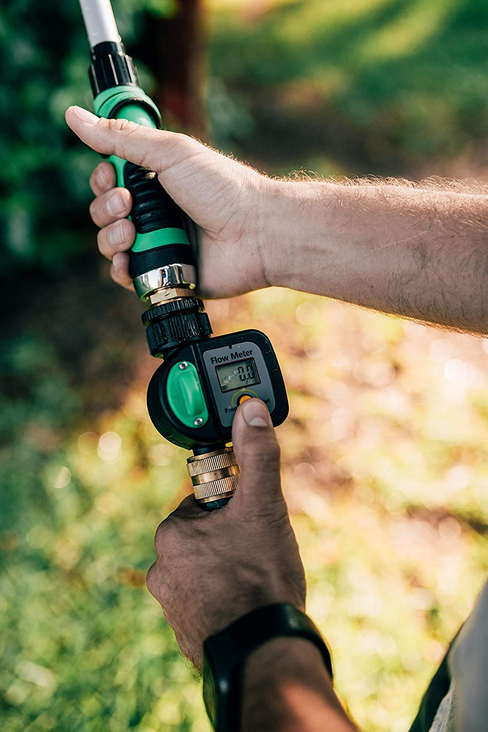 Krageröd – Garden Hose Water Meter   Measure in Gallons or Liters   Use with Garden Water Timer to Measure The Exact Amount of Water Used in Outdoor Irrigation   Simple Intuitive Design  : Home & Kitchen