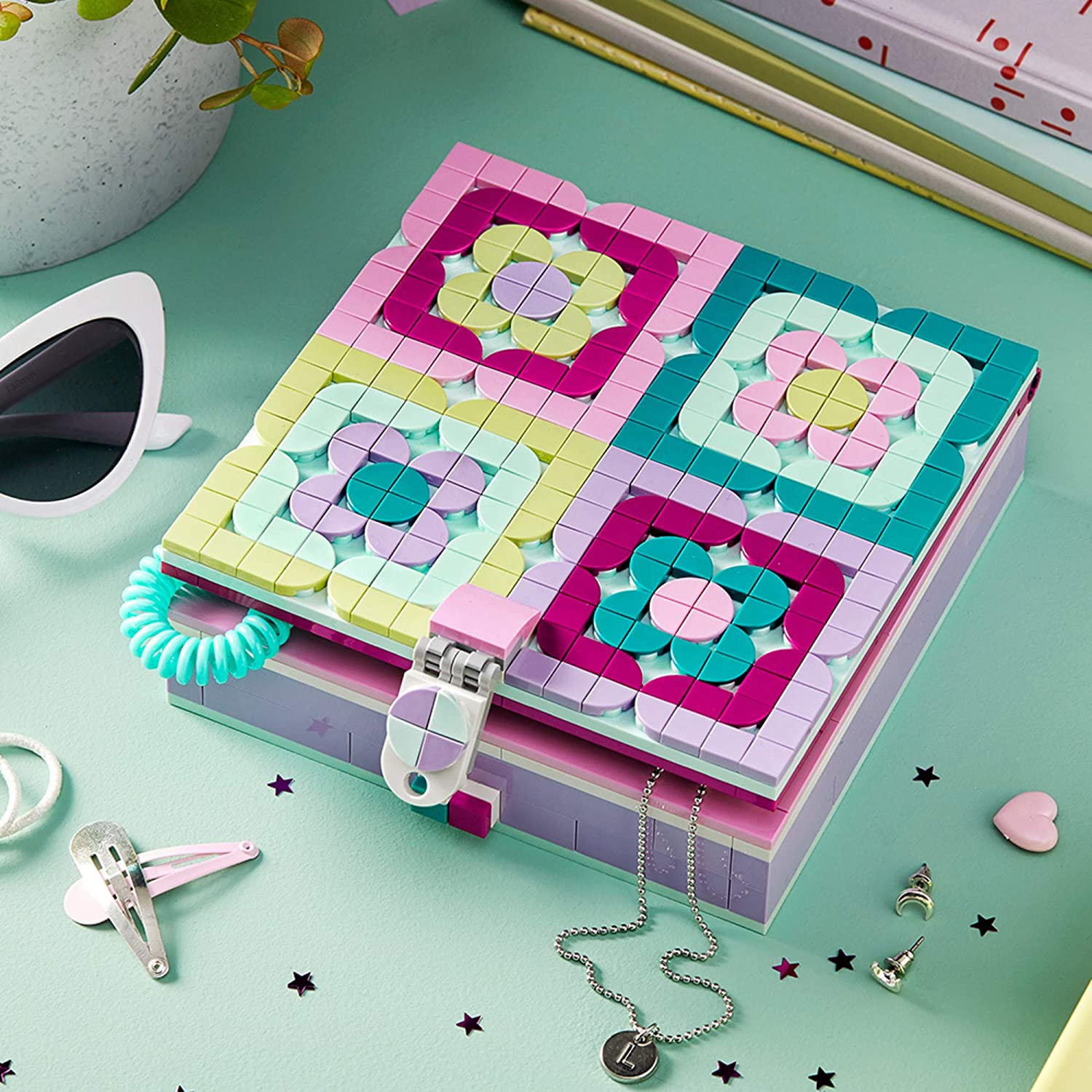 374 Pieces New 2020 for Kids Who are Into Cool Arts and Crafts A Great Entrance into Unique Arts and Crafts Toys for Kids LEGO DOTS Jewelry Box 41915 Craft Decorations Art Kit