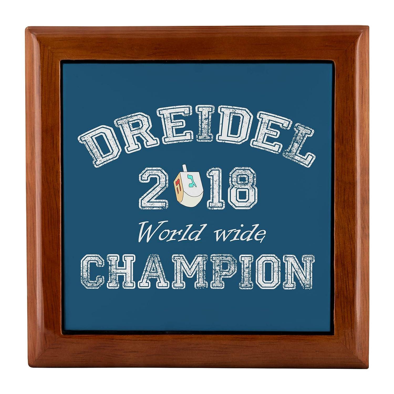 SmallWonderGifts ユダヤ風ジュエリーボックス 女の子 レディース リフトトップ ハヌカー ジェルトギフト ドリーデル記念品 ドレイデル2018年 世界中チャンピオン。 5.5X5.5X2.25X1.5  ゴールデンオーク B07JN64W4Q