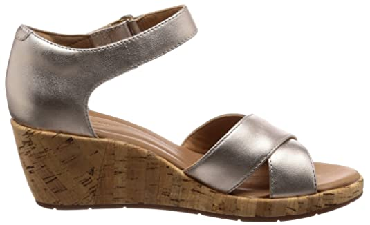 819b4cb3ffa67 Clarks Women's Un Plaza Cross Ankle Strap Sandals