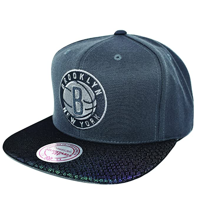 GORRA MITCHELL AND NESS NBA BROOKLYN NETS JAY Z  Amazon.es  Ropa y  accesorios e4df6a3b6ec
