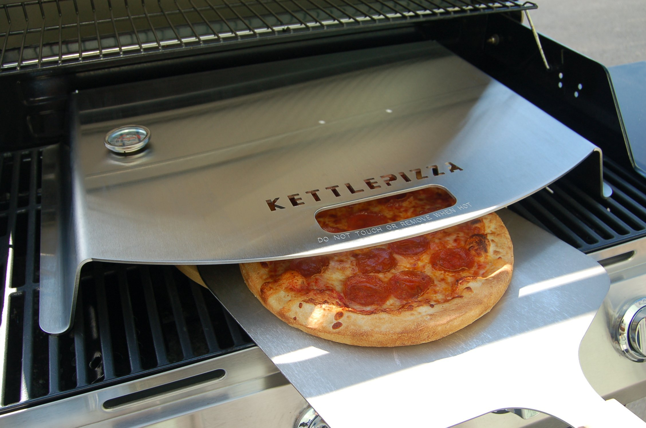KettlePizza Gas Pro Deluxe Pizza Oven Kit - KPD-GP by Kettle Pizza (Image #4)