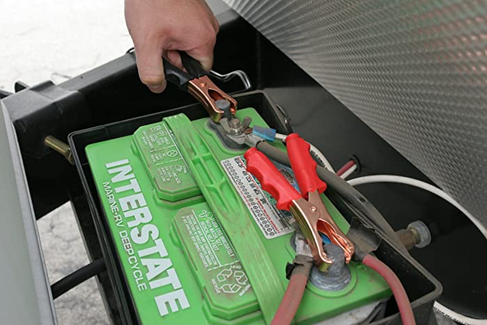 High-level portability of VIAIR 400P Compressor allows you carrying case