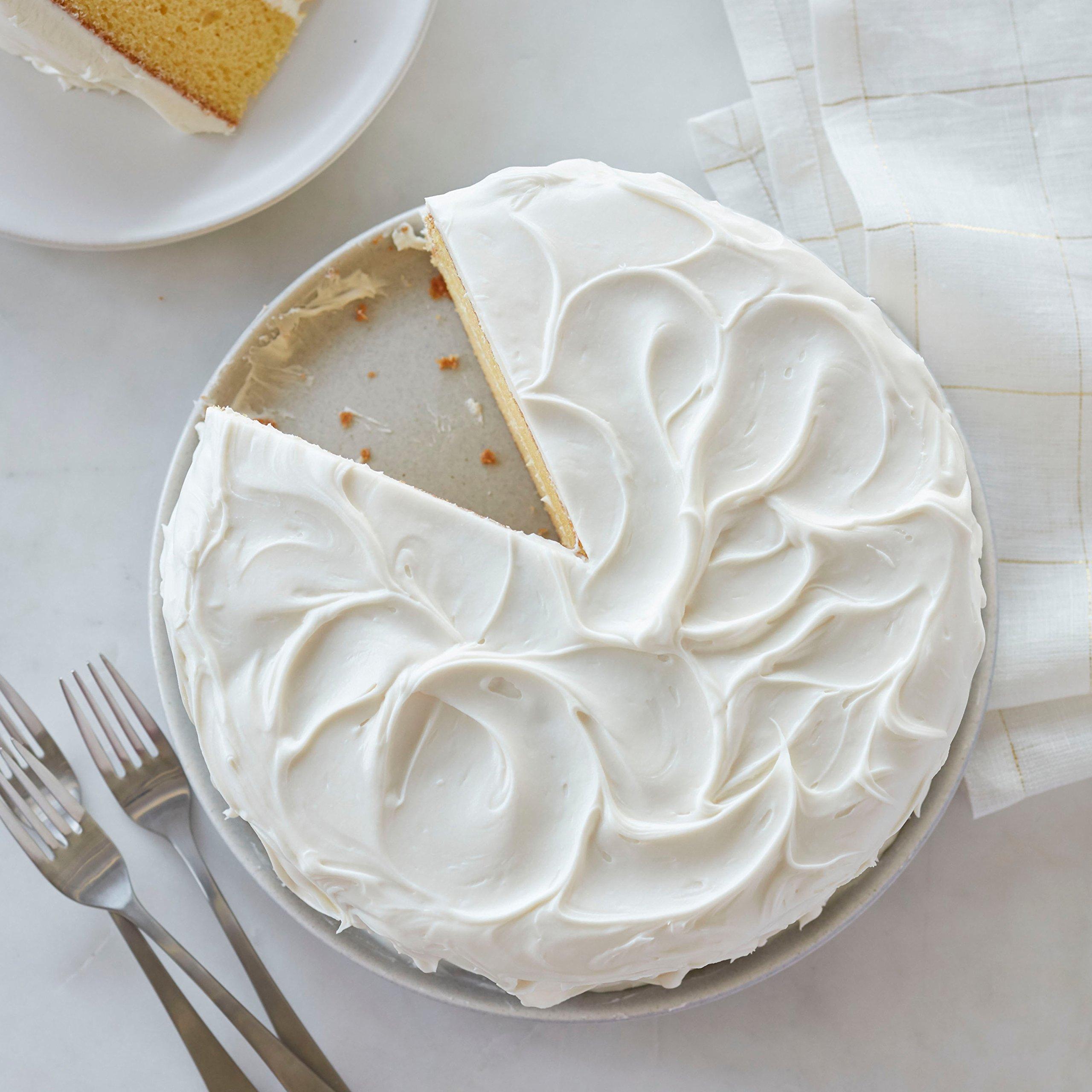 Wilton Creamy White Decorator Icing,Medium Consistency,4 lb. Tub, Cake Decorating Supplies by Wilton (Image #4)