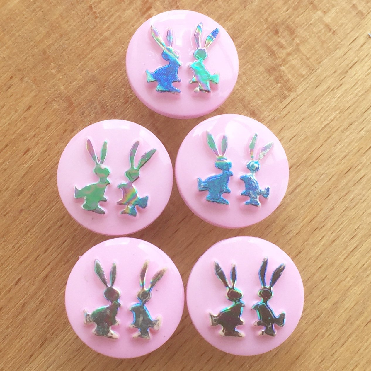 10 x irridescent bunny buttons, white or pink, 15mm diameter ( size 24) (pink) Always Knitting and Sewing