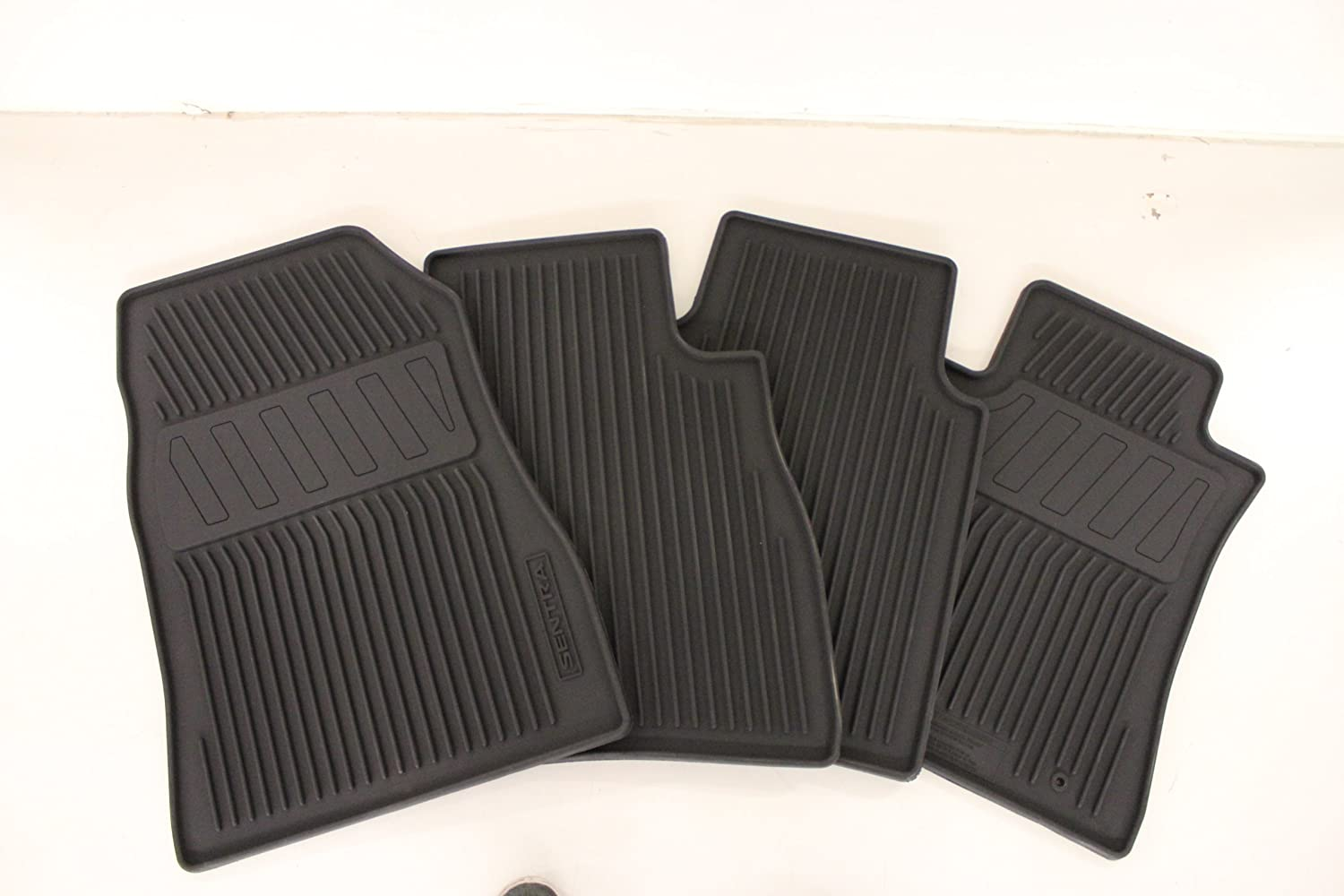 nissan rogue floor mats rubber floor matttroy. Black Bedroom Furniture Sets. Home Design Ideas