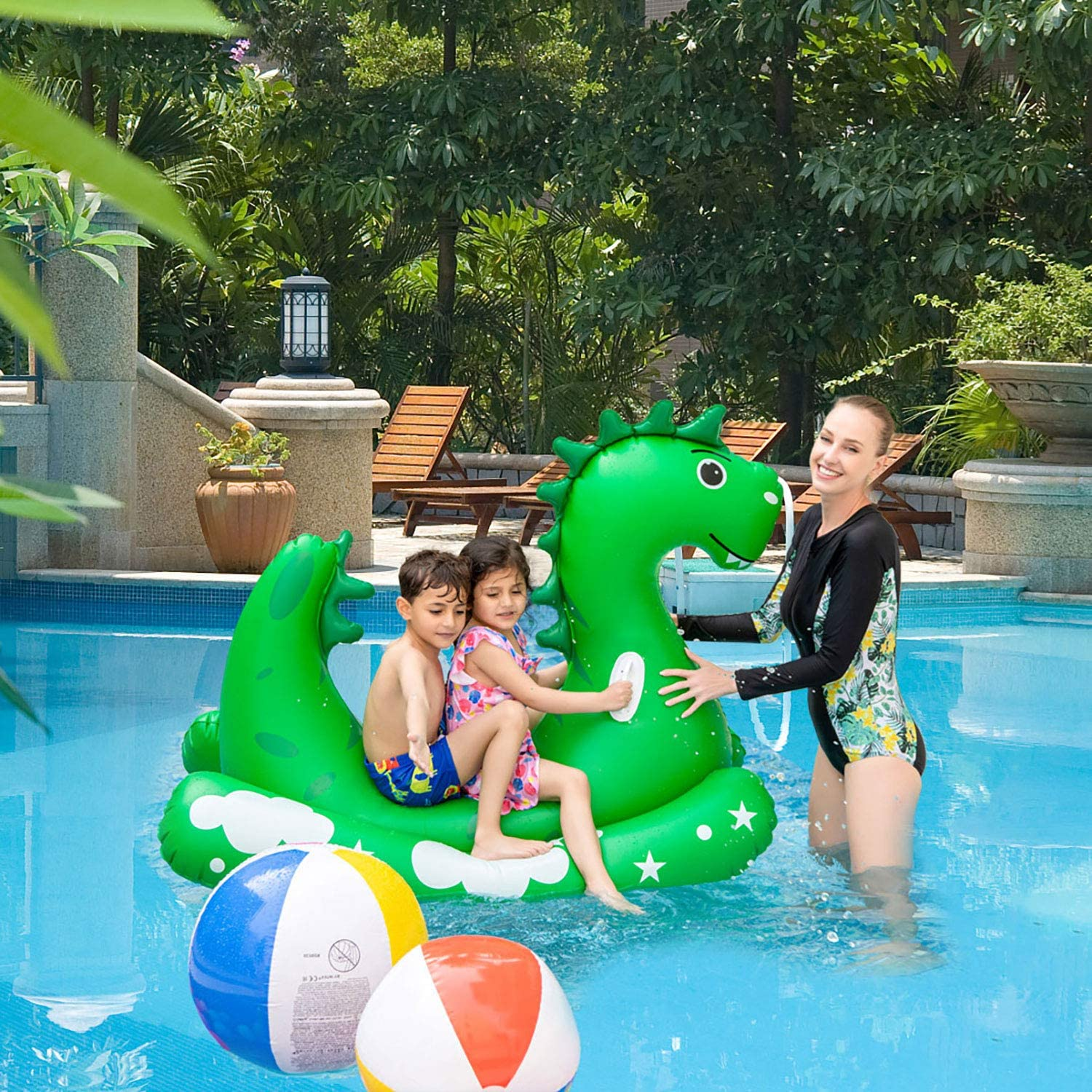 Spray Water Toys for Outdoor Lawn Backyard Summer Swimming Pool Party Toys Inflatable Pool Float for Kids Adults Kids Sprinklers Pool Toys Ride-on Dinosaur Splash Pool Raft with 2 Handles