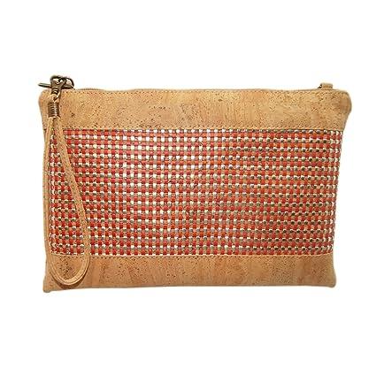 Bolso de Mano con un diseño Juvenil, Hecho con Materiales Marca Menkai.