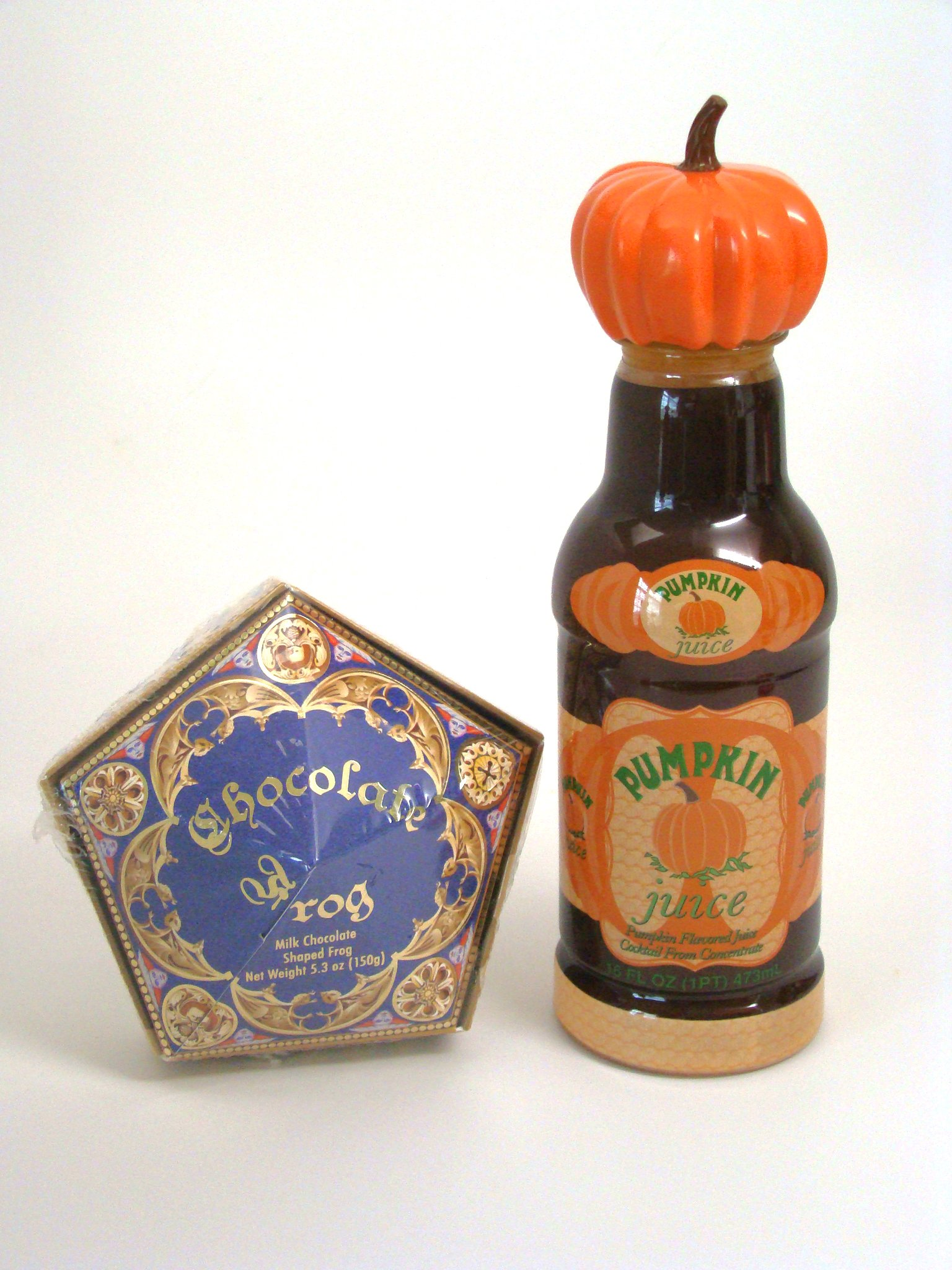 Wizarding World Harry Potter Honeyduke's Chocolate Frog & Pumpkin Juice Set