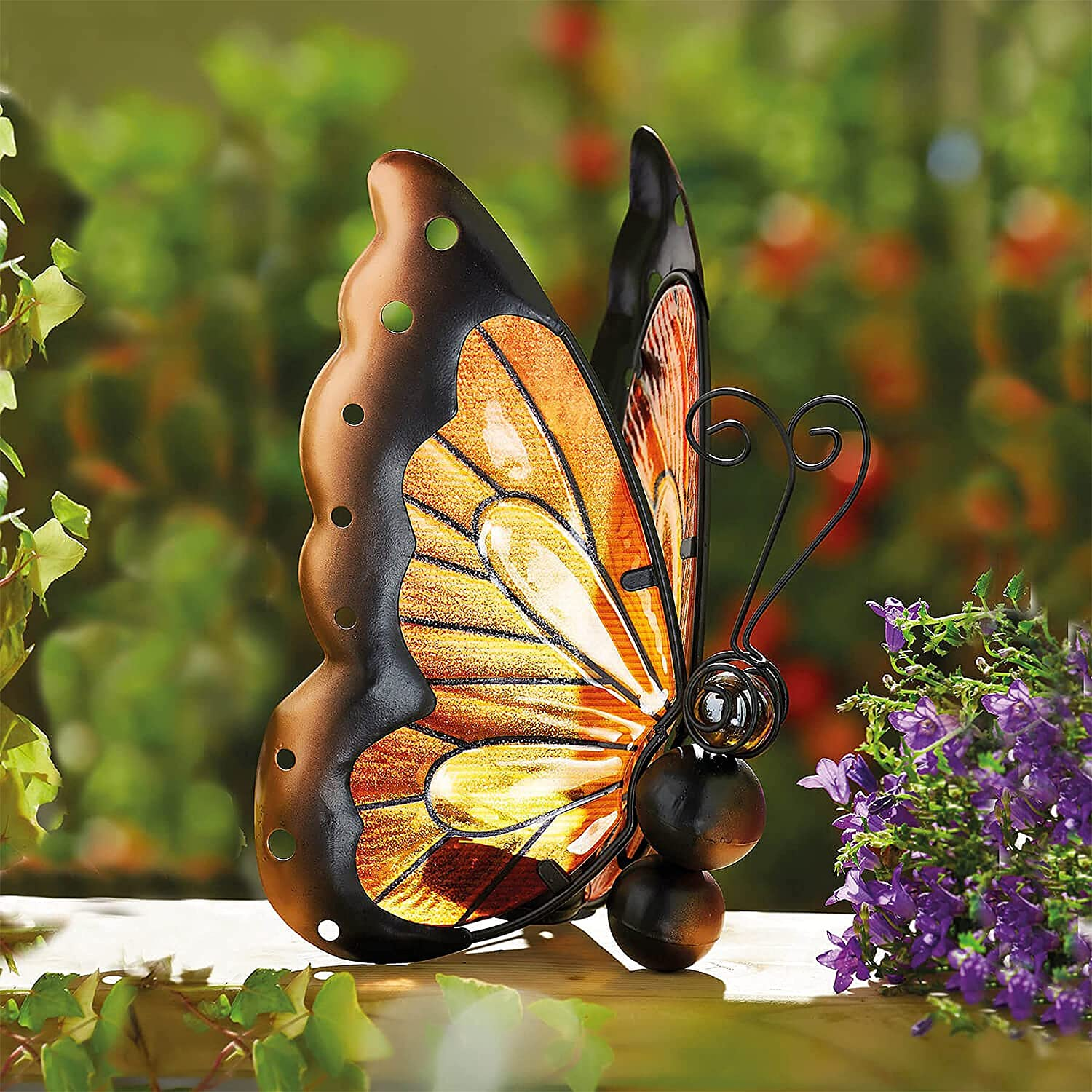 Outdoor Garden Solar Light, Solar Powered Butterfly Statues LED Lighted, Metal Yard Art Decor Statue for Walkway/Pathway/Lawn