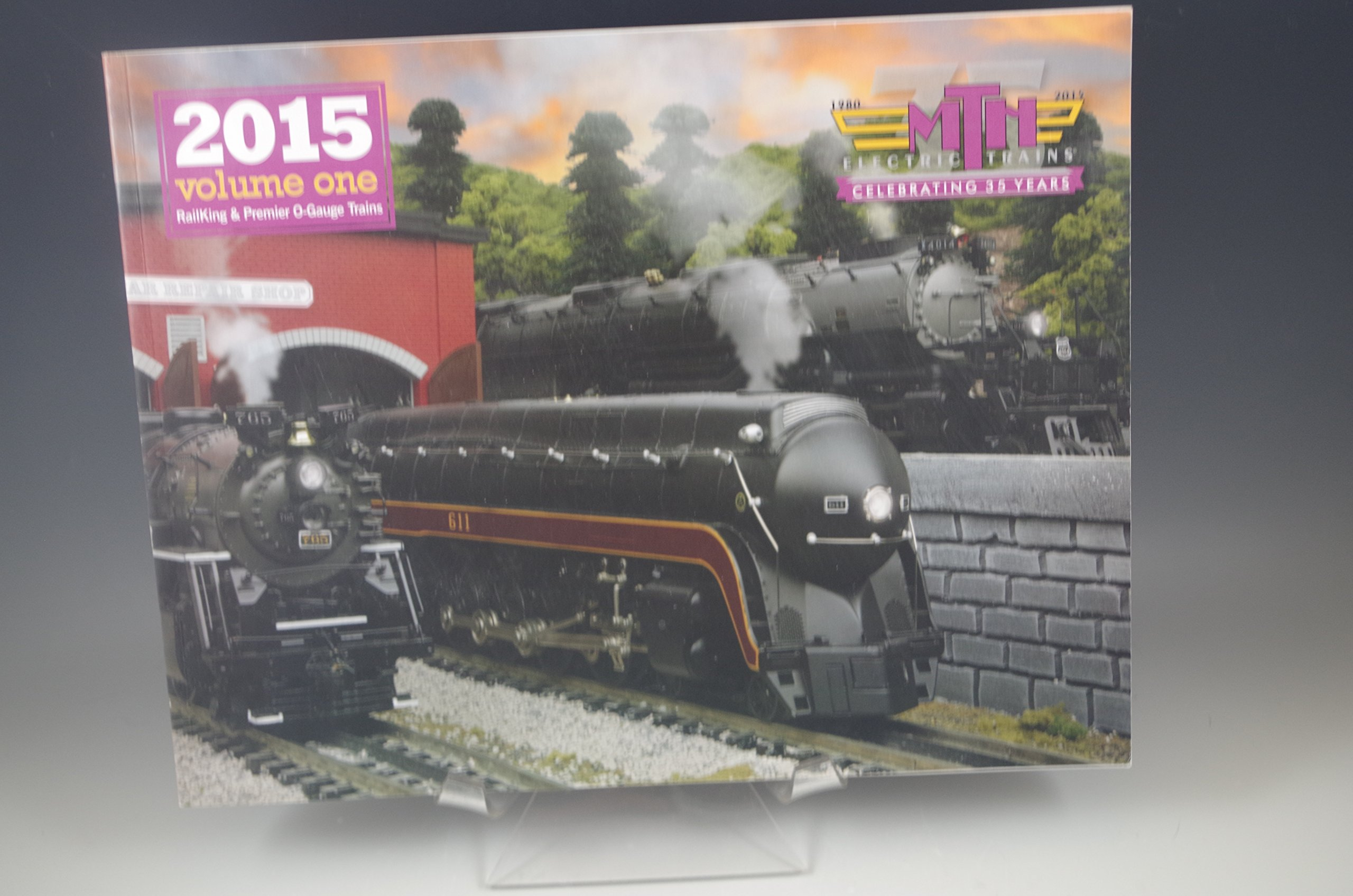 MTH TRAIN CATALOG MAGAZINE 2014 VOL 1: UN: Amazon com: Books