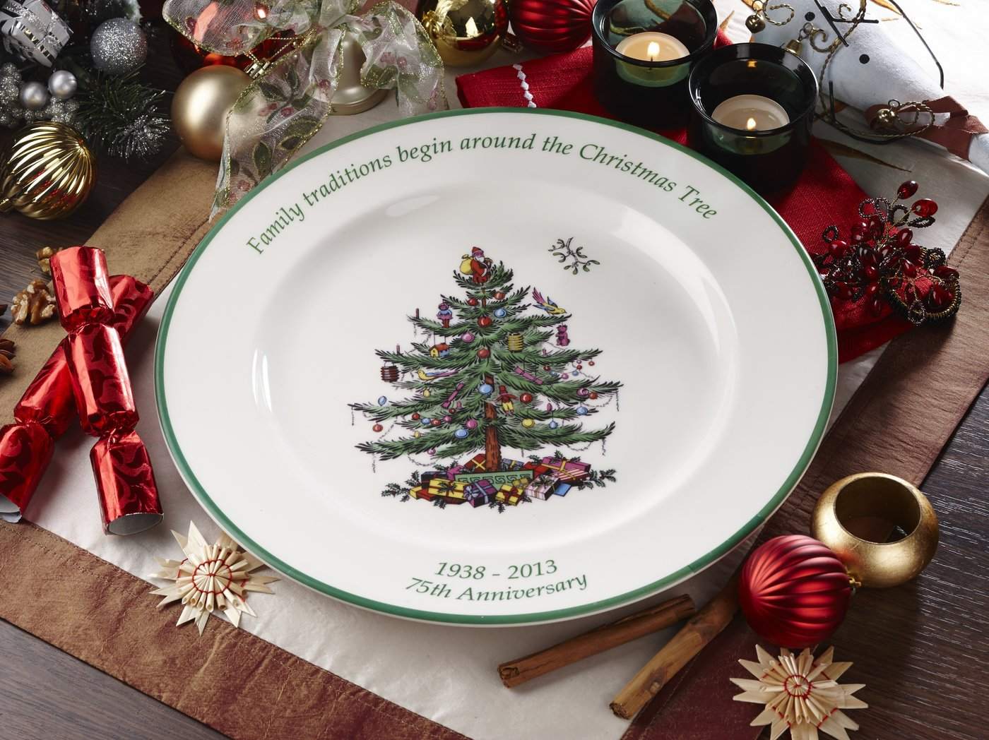 Amazon.com: Spode Christmas Tree 10-1/2-Inch Dinner Plates, Set of 4 ...