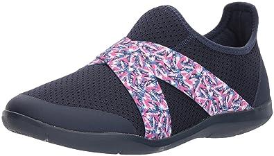 1f1a6566ce017 Crocs Women s Swiftwater Cross-Strap W Navy WHI Flat Sandal  Amazon ...