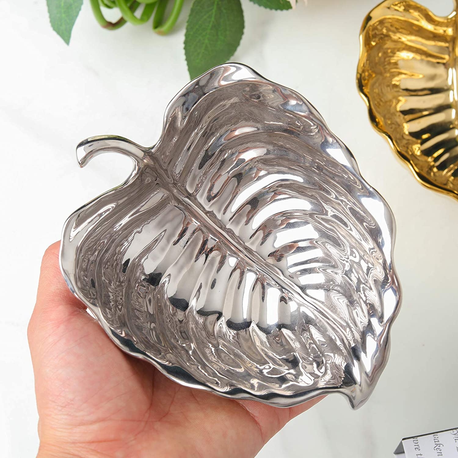 Gold or Silver Leaf Decorative Tray – Premium Ceramic Table Centerpiece – Leaf-Shaped Serving Bowl for Candy, Fruits, Jewelry – Elegant and Modern Trinket Dish for Kitchen, Living Room, Bedroom