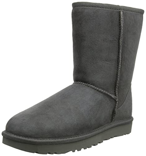 f150406a42cce UGG Classic Short II - Botas para mujer