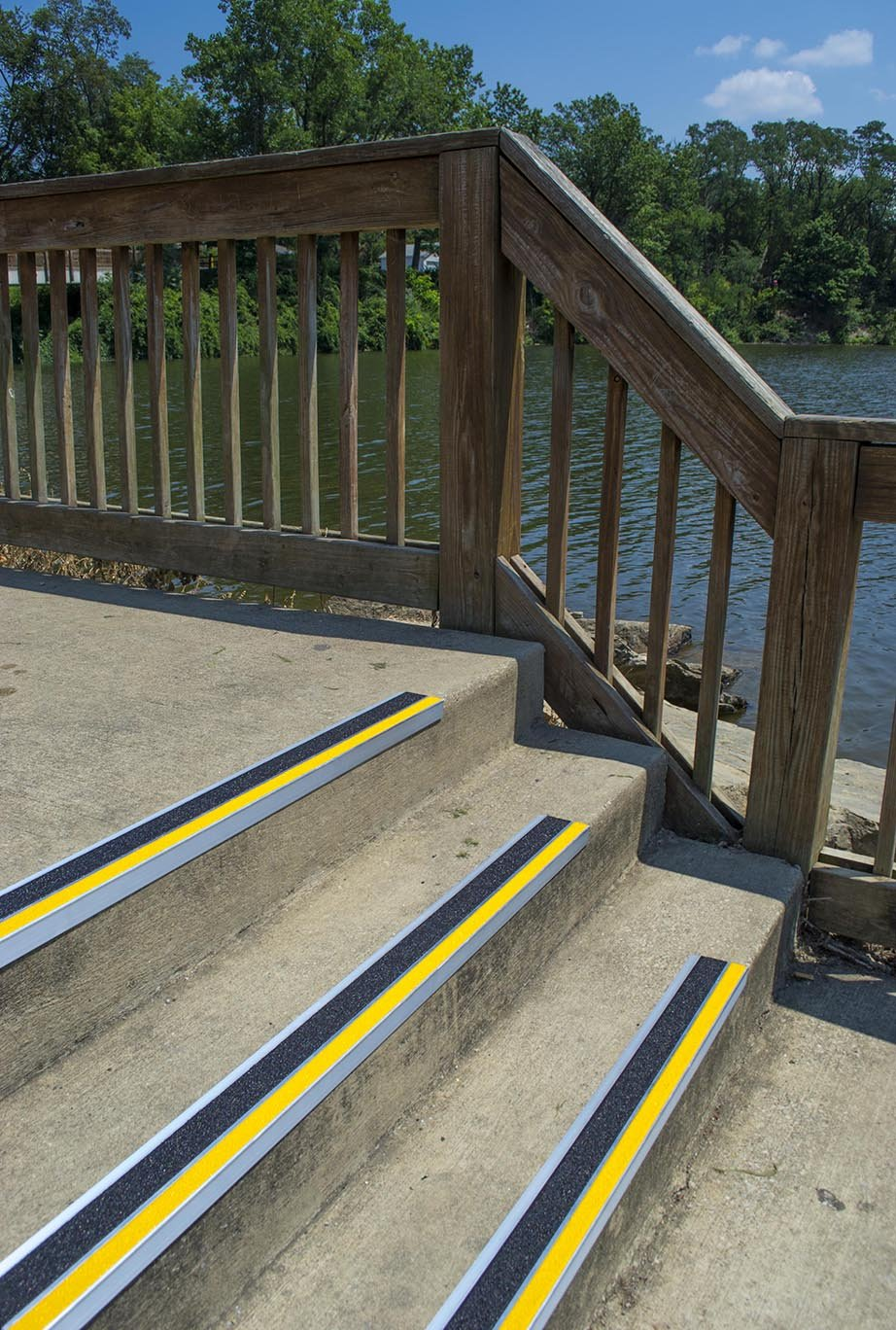 MASTER STOP 404NS20036102 Renovation Stair Tread, Yellow Front, Black Back, 4'' depth, 36'' length, Aluminum with mineral abrasive anti-slip surface