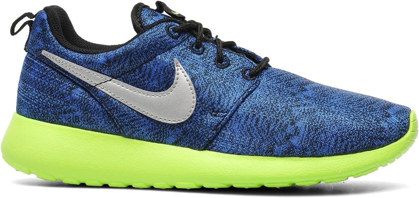 Nike Rosherun Gs Big Kid Running Shoes 677782 400 4 Amazon Ca Shoes Handbags